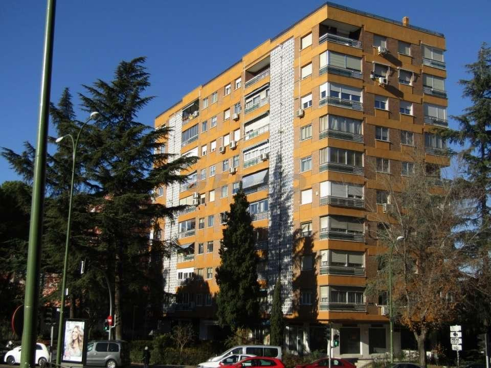Local Comercial en Venta Colina, Madrid