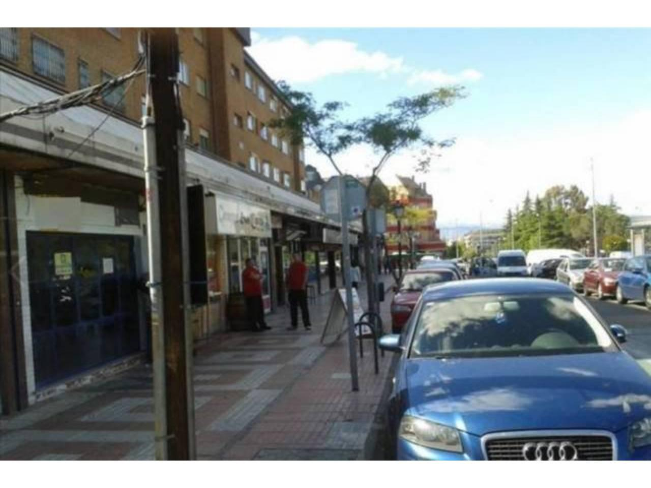 Local Comercial en  Majadahonda, Madrid Provincia