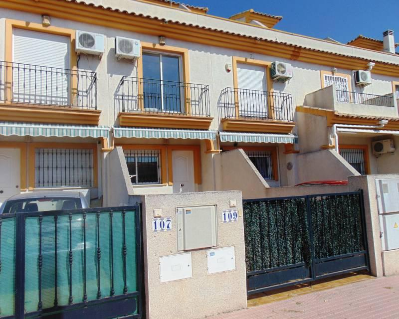 Spacious terraced house offered for sale in Daya Nueva,