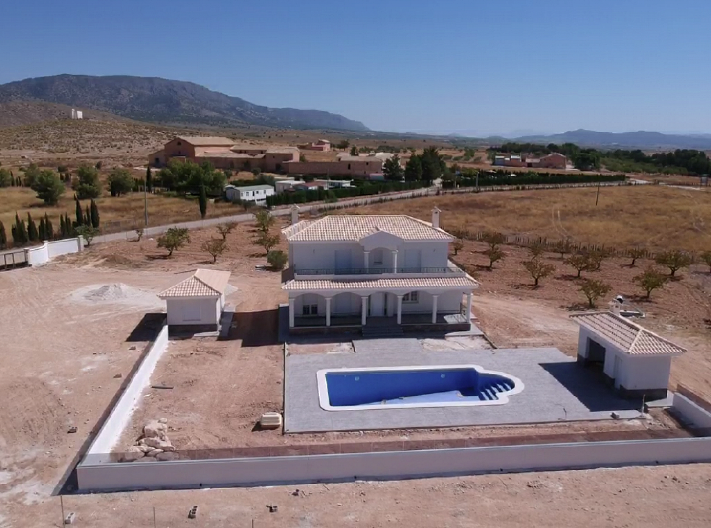 New build villa 195m2 with pool. Wow factor new builds on ...