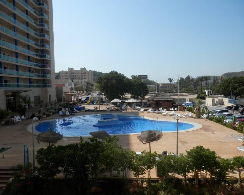 This beautifully well maintained apartment is located in a