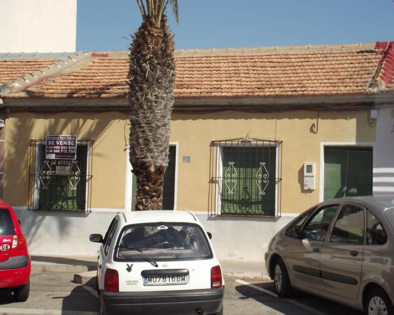 Traditional Spanish style 3 bedroom town house with courtyard